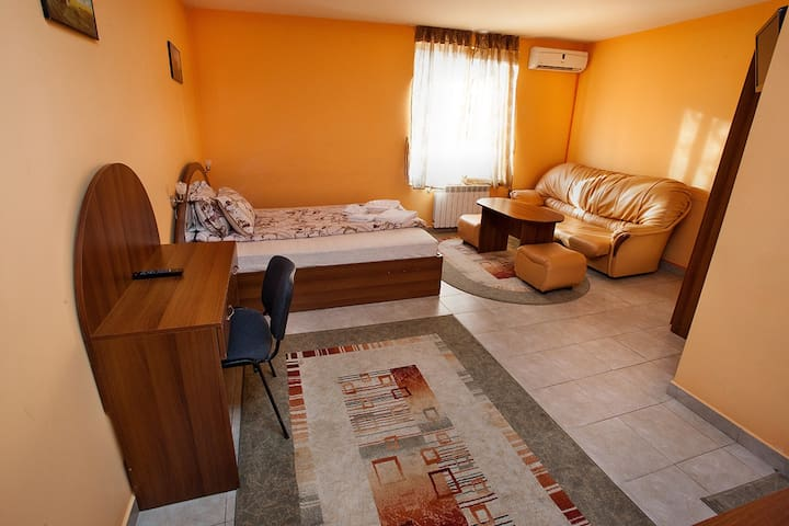 B&B Tsar Simeon House - Haskovo - Bed & Breakfast