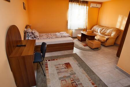 B&B Tsar Simeon House - Haskovo - Bed & Breakfast