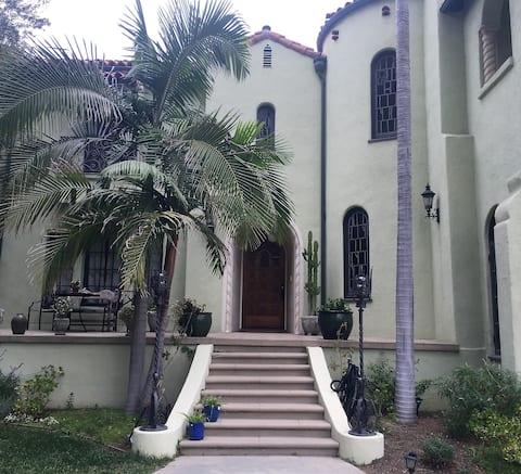 Private, quiet suite in Los Feliz
