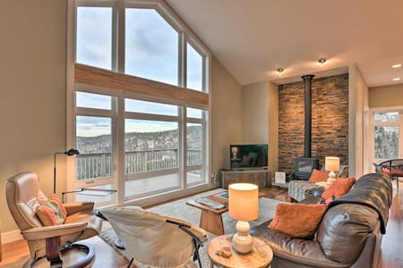 NEW! Modern Anchorage Home w/ Stunning Mtn Views!
