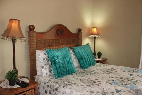 [1] Double bed en-suite
