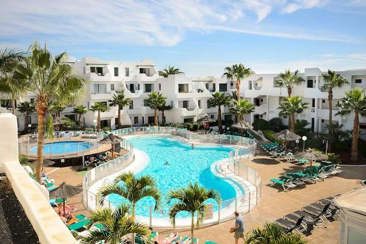 Perfect Location with Ocean View and Pool Access in Puerto del Carmen