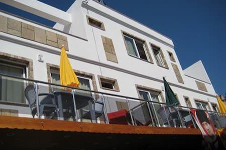 Turgutreis Çarşıda Stüdyo Dairede Plaja 20m Tatil. - Apartment