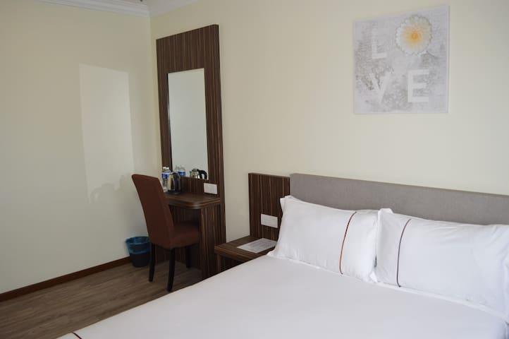 Angsoka Hotel Teluk Intan Deluxe Queen 217