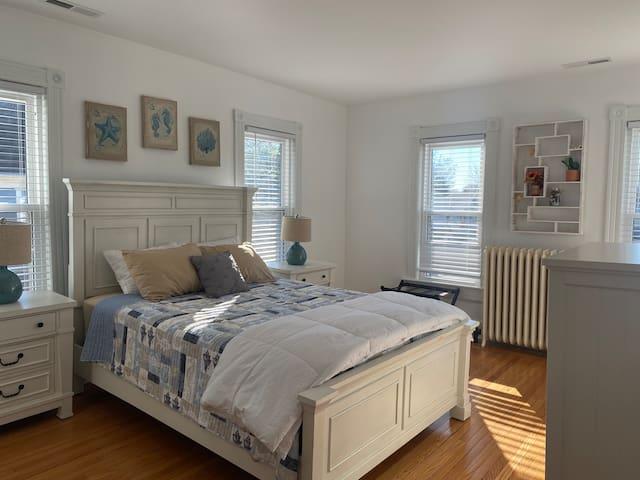 2nd Bedroom- Queen Bed- 2nd Floor