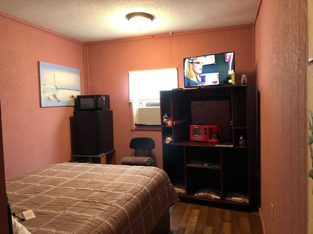 Affordable One room country style unit