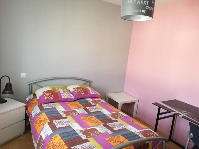 Chambre dans villa très calme, proche Toulouse