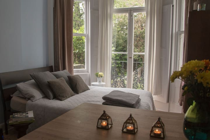 Stylish Kensington Studio + a garden + 50Mbps WIFI - Londra - Appartamento