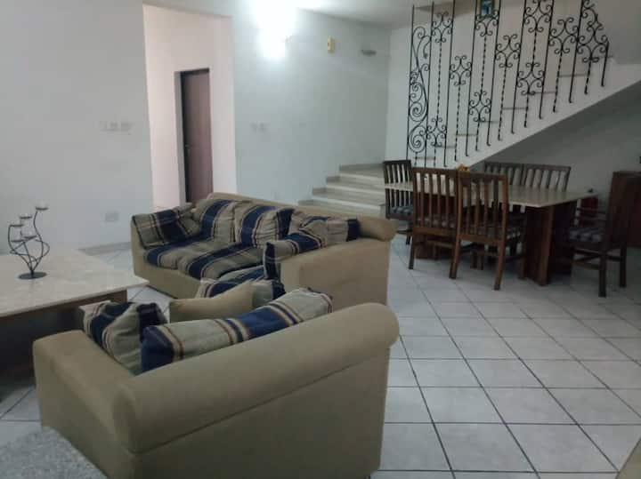 Cozy En-suite room 4 in modern estate Ikoyi.