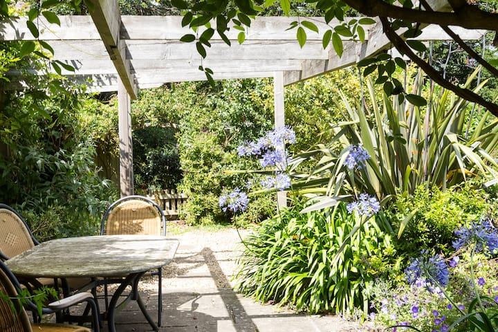 Findings; lovely family holiday home, Salcombe