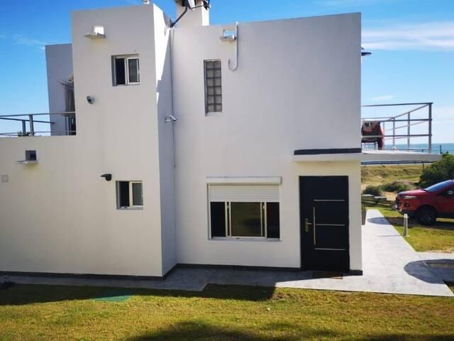 Hermosa casa en Bella Vista frente al mar