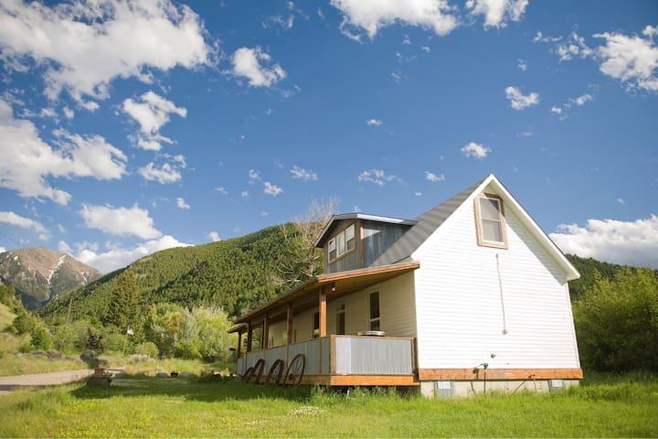 Placer Cabin - Emigrant - Casa