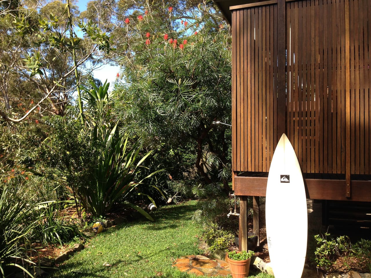 Native setting, 400m from beach
