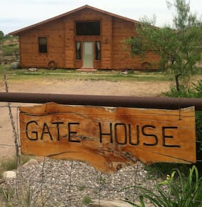 Little log cabin on the Gila - Gila - Ev