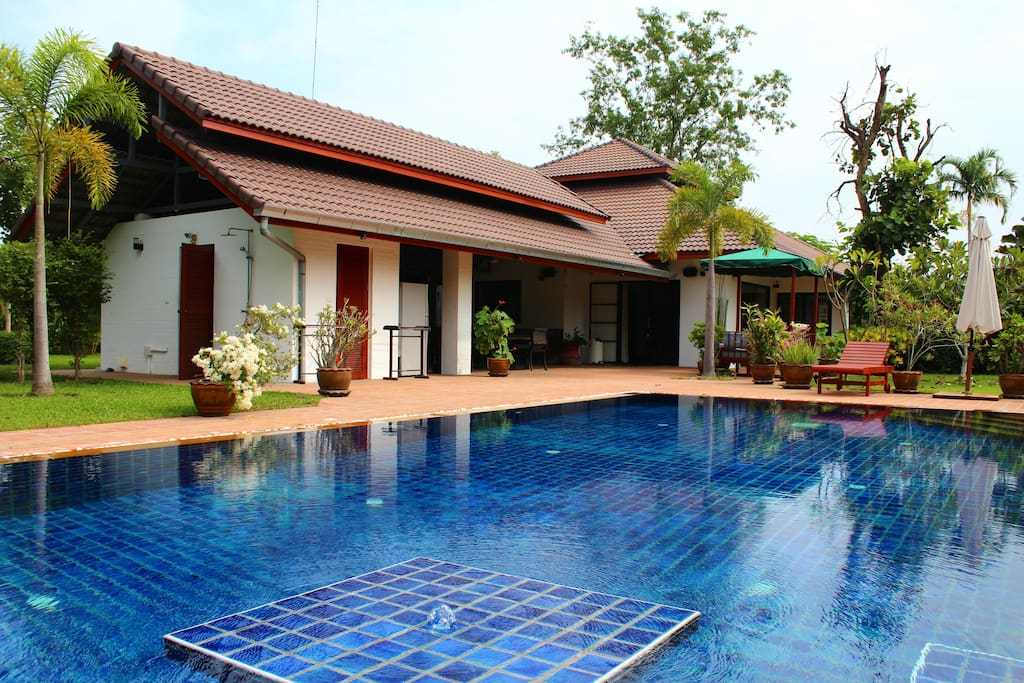 Luxury villa with pool countryside bungalows for rent in chiang mai chiang mai thailand for Chiang mai house for rent swimming pool