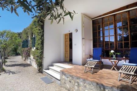 Villa Isola Elba, 50 mt dal mare - Porto Azzurro