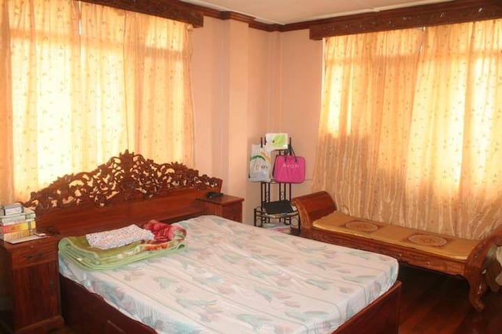 Private Room Suite with bathroom - Cainta - Rumah