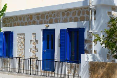 Ανακαινισμένο πετρόκτιστο σπίτι  - Gra Lygia