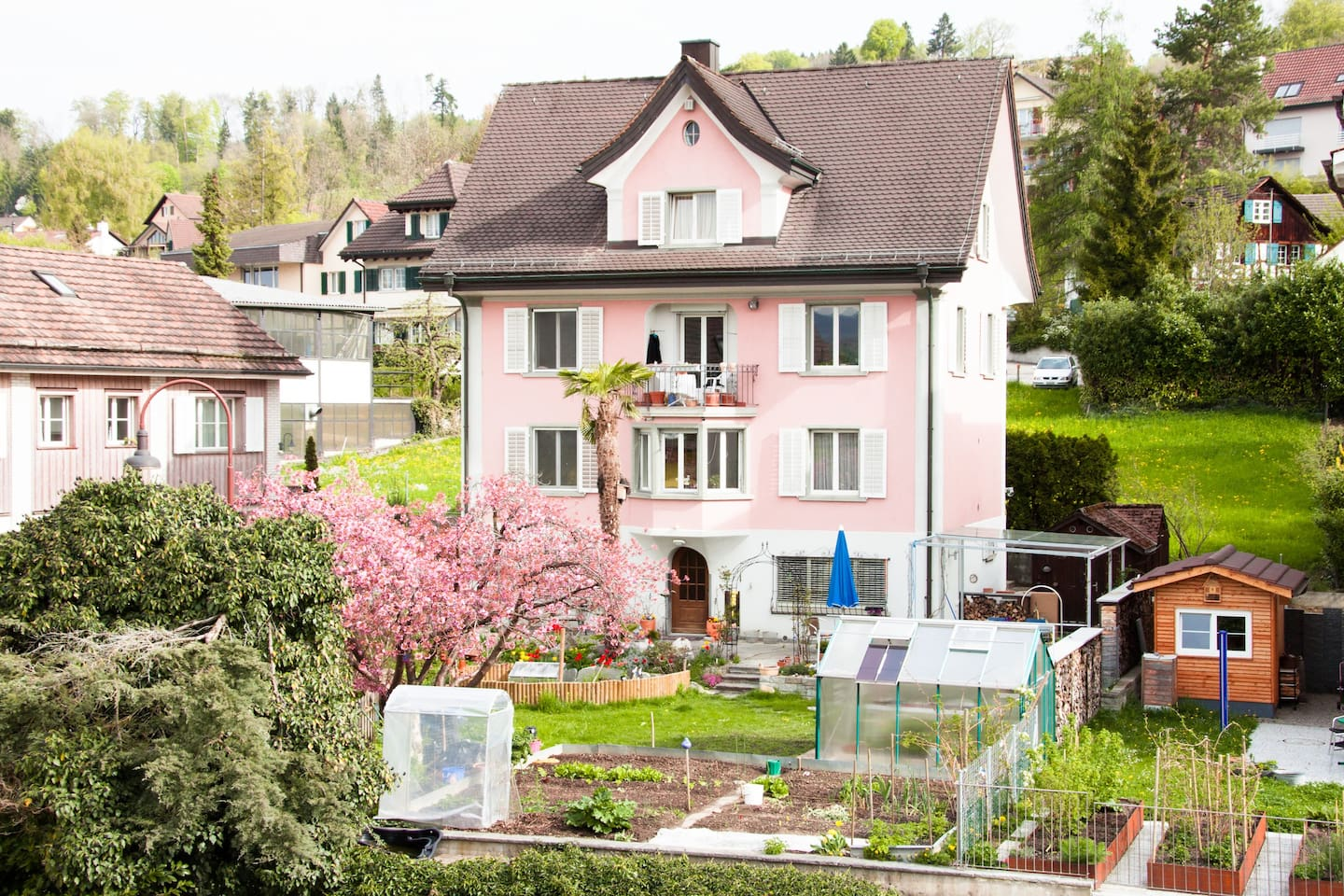 BnB Garden View Room East Uetikon - Bed and breakfasts for Rent in ...