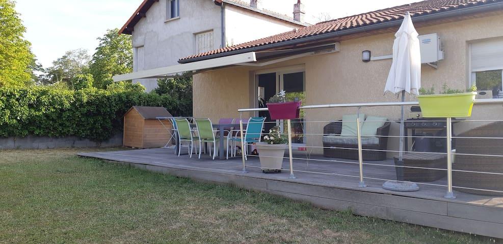 Appartement avec jardin et terrasse proche centre