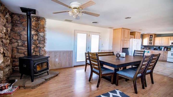 Huge 4 Bedroom Lake Powell Family Vacation home