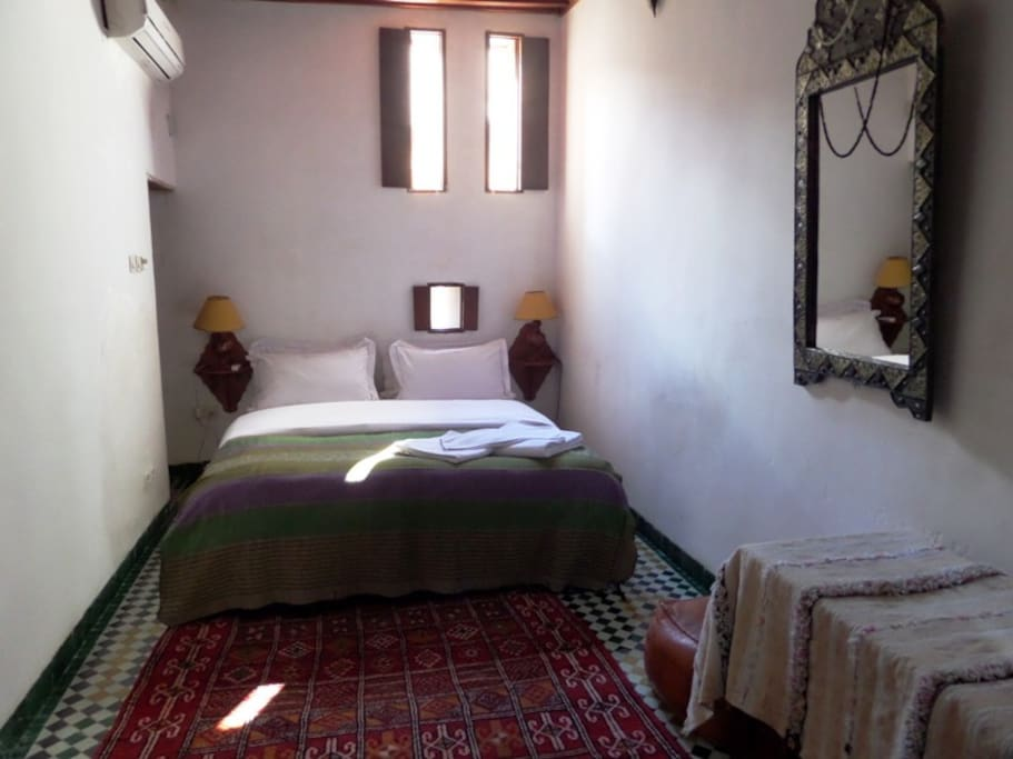 Jacaranda suite spacious fez medina bed breakfasts for for Airbnb fez