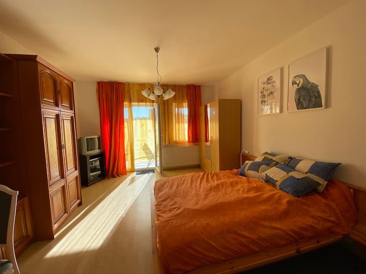 Orange Apartman
