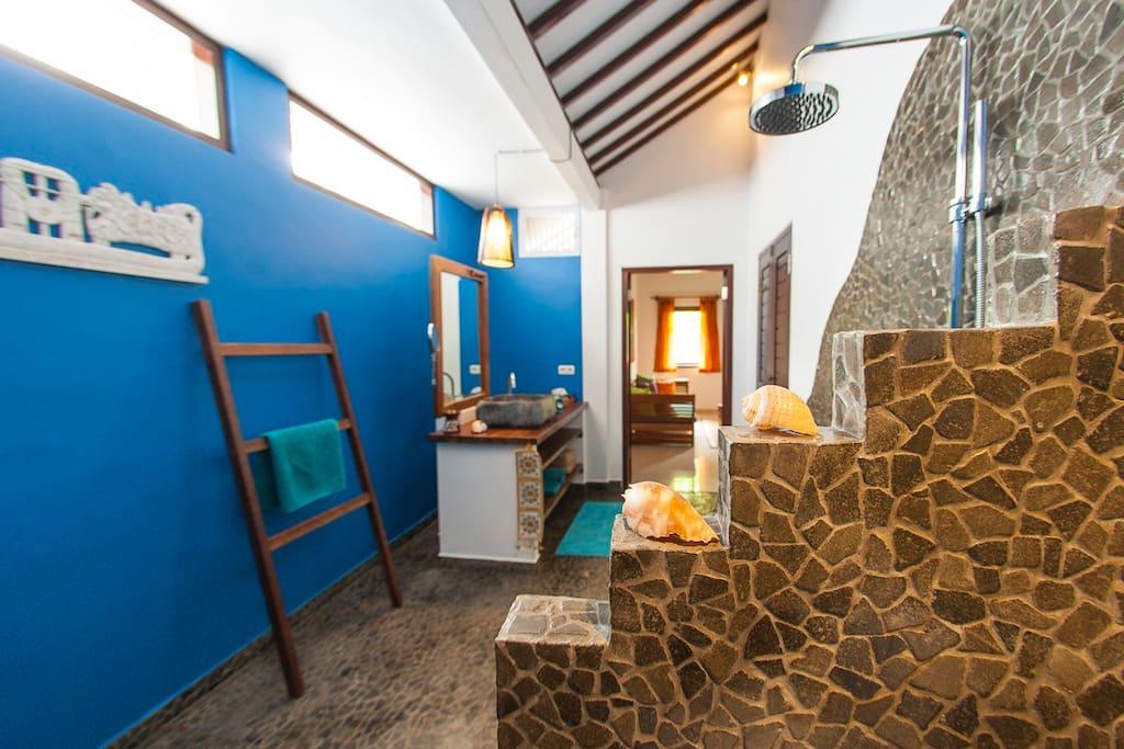 big bathroom with rainshower and warm water