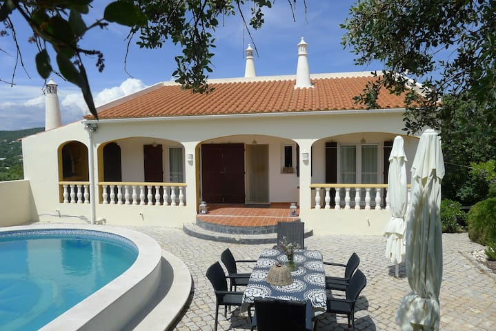 Pool villa with sea view near Faro Algarve - Faro - Villa