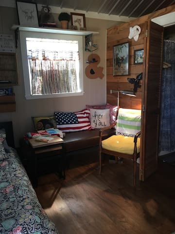 Tiny House near Trinity Bay - Anahuac