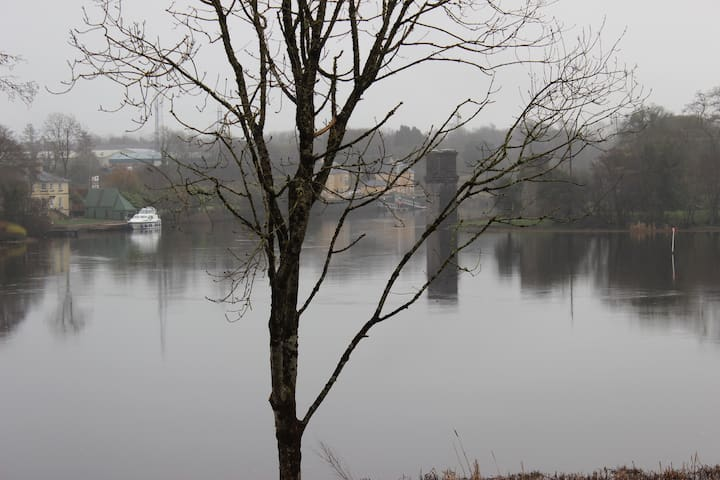 2 Bed Private Lakeside Apartment on Lough Erne - Enniskillen - Leilighet