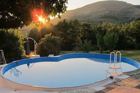Casa di campagna con piscina