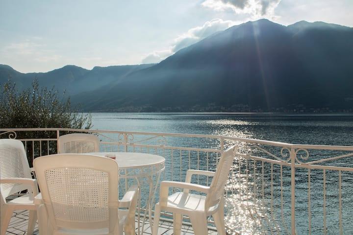 Wonderful apartment on lakeside
