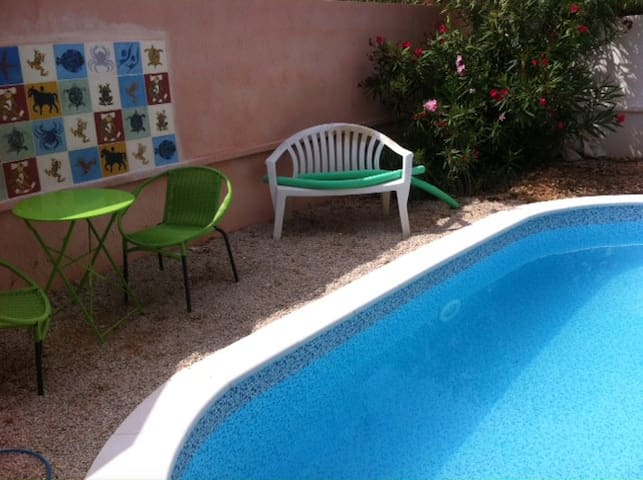 Villa swiming pool Pointe Rouge, 8e