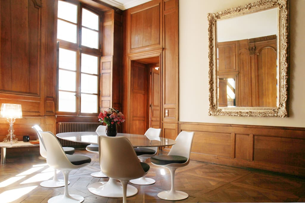 Salle à manger - parquet Versailles et boiseries XVIIIème siècle