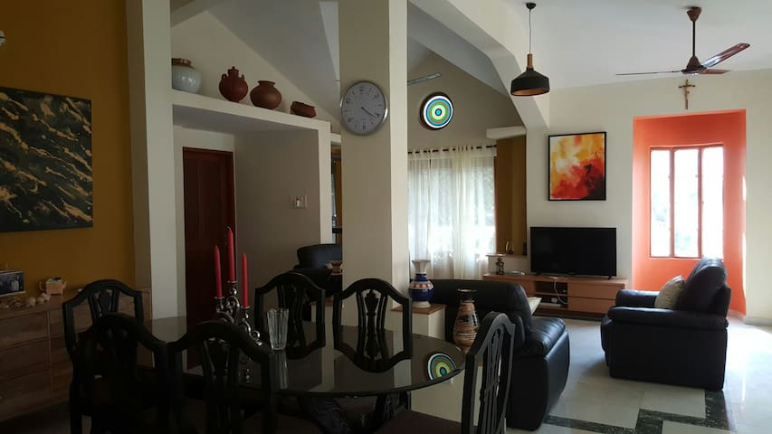 Cozy Apartment @ MIRAMAR BEACH, Goa - India - Panjim