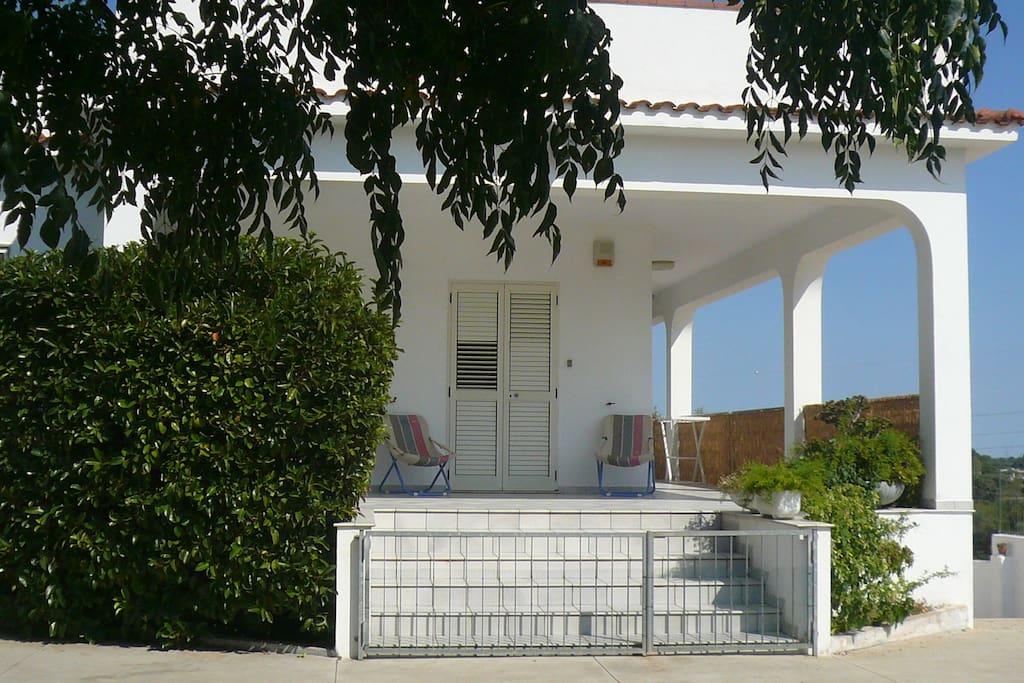 L'ingresso con la veranda