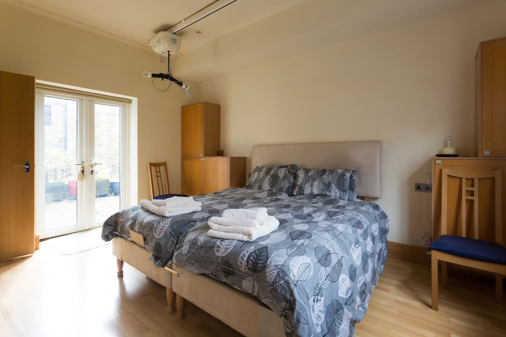 Twin beds in ground floor en-suite, with disabled access