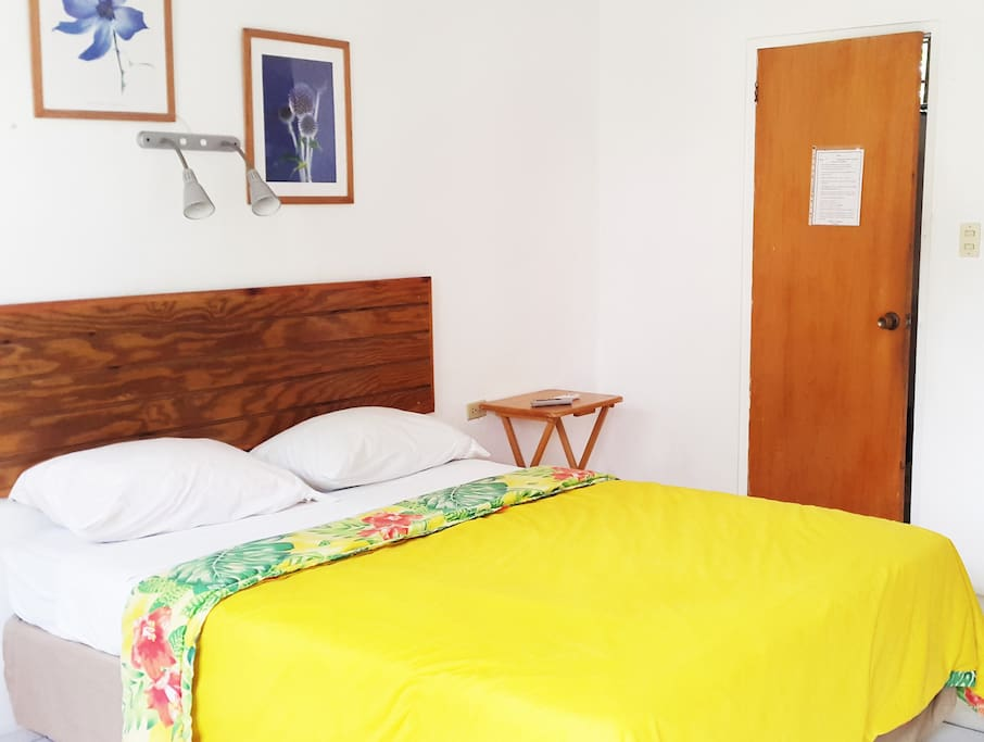 studio with kitchenette near beach and airport aparthotels for rent in bon accord western. Black Bedroom Furniture Sets. Home Design Ideas