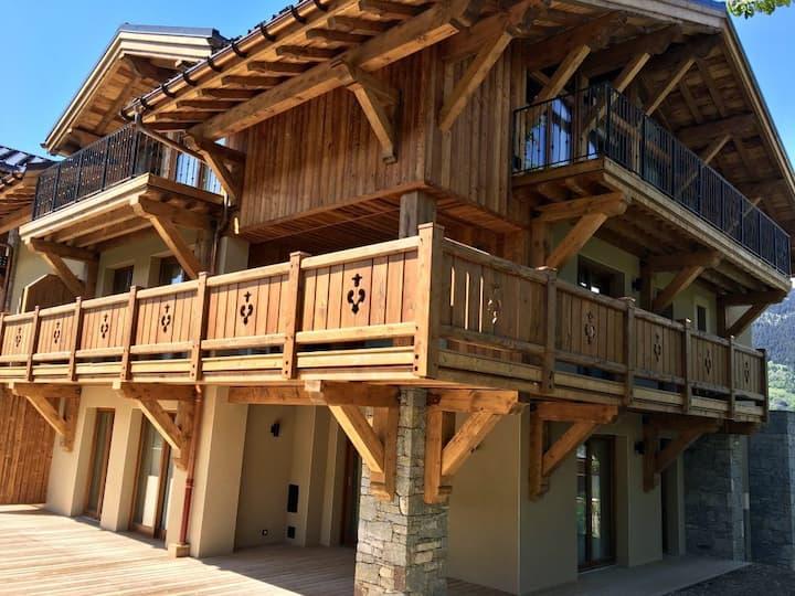 Modern apartment in Courchevel Le Praz with sauna