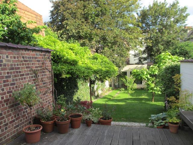 Lovely Garden Studio in Brussels - Etterbeek - Hus