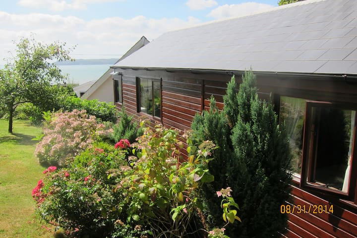 Chalet with amazing views by sea - Amroth - Alpstuga