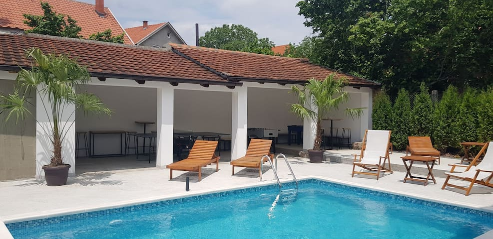 BRAND NEW VILLA WITH POOL - KALUDJERICA BELGRADE