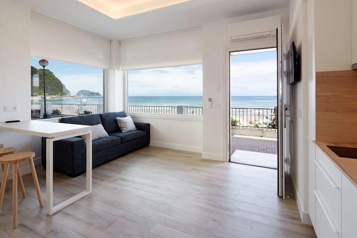 Mutxio - Luxury seaside apartment
