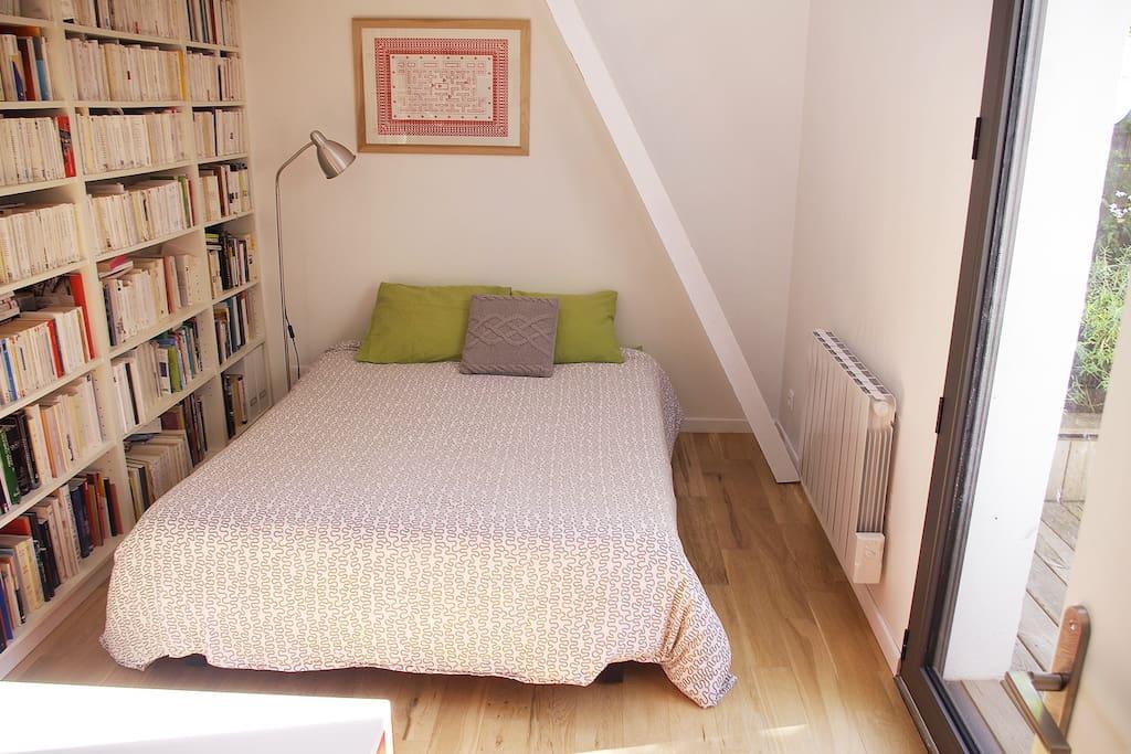 chambre lumineuse dans maison contemporaine maisons louer nantes pays de la loire france. Black Bedroom Furniture Sets. Home Design Ideas