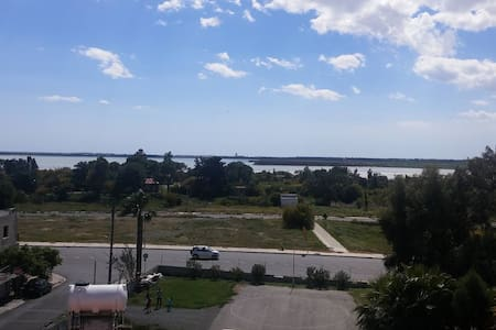 Salt lake view in larnaca - Larnaca - Bed & Breakfast