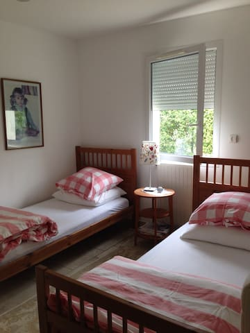 1,5 km from Bayeux, twin bed studio - Vaucelles