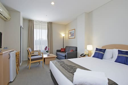 5 Star Hotel Styled Unit with the best Price Tag! - Perth - Pis