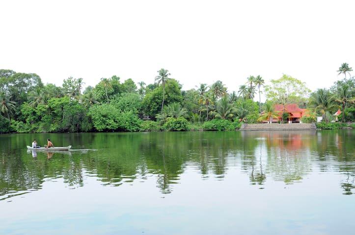 Idyllic Riverside Retreat in Kochi