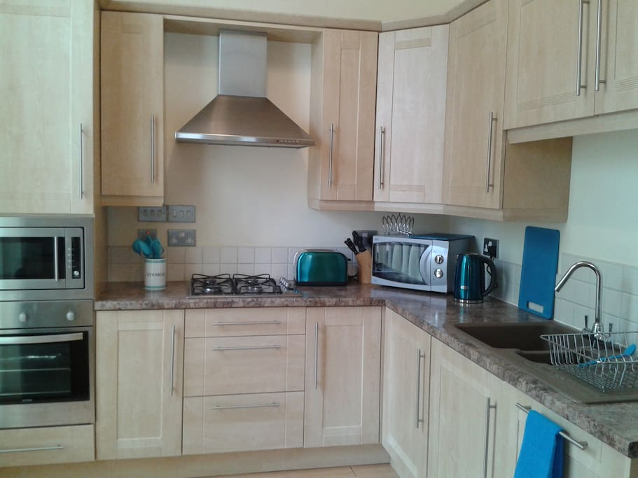 fully fitted kitchen - including washer-dryer